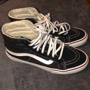 Black Sk8-Hi Vans
